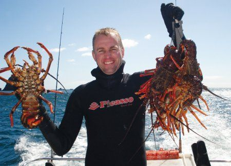 freediving_for_crayfish_at_great_barrier_nz1.JPG