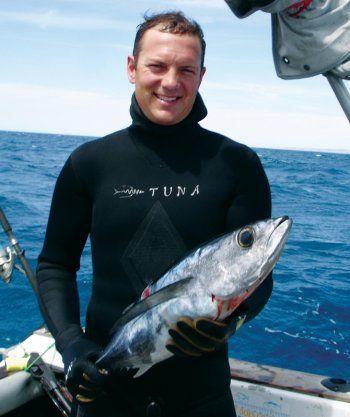 Tuna Spearfishing In New Zealand Ocean Hunter
